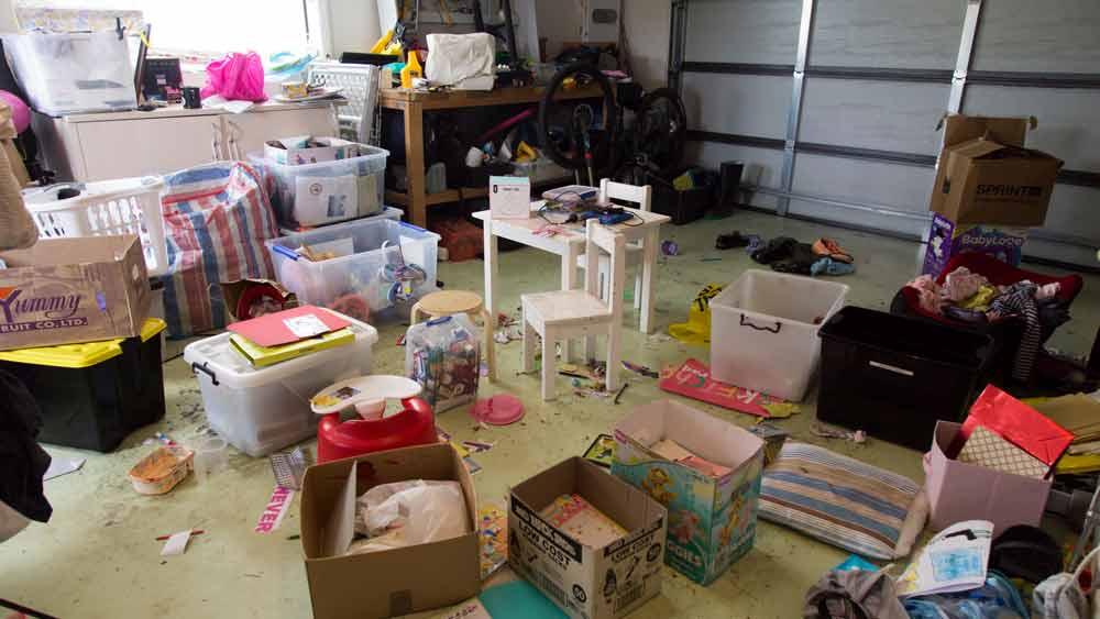 Declutter a garage - Marie Kondo